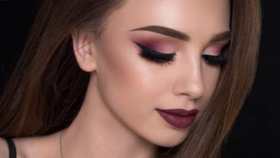 Ini Dia Cara Cantik Menggunakan Make Up Bold Tanpa Terlihat Berlebihan!