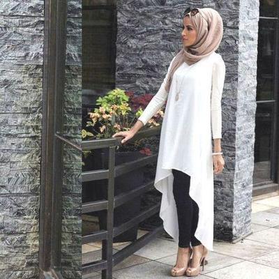 Kombinasi Legging dan Asimetris Dress
