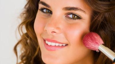 Begini Tips Tiruskan Pipi Chubby dengan Penggunaan Blush On