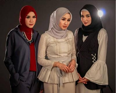 Cantik dan Inspiratif, Ini 5 Selebriti Berhijab Paling Fashionable!