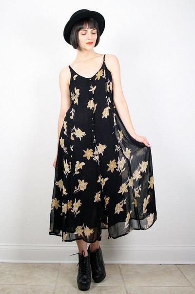 2. Floral Dress + Fedora Hat