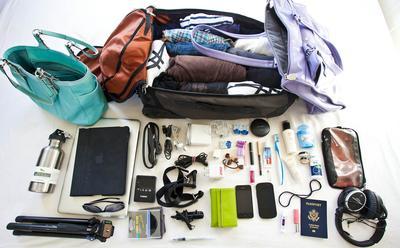 Masih Ragu Traveling dengan Tas Ransel? Ikuti Tips Packing Baju Ini Agar Barangmu Muat Semua!