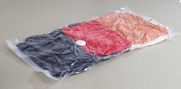 2. Vacuum Barang-Barang dalam Plastik