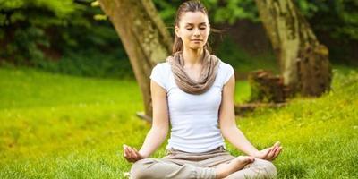 Yuk, Maksimalkan Latihan Yoga dan Dapatkan 6 Manfaat Ini untuk Tubuhmu!