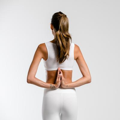 2. Menjaga kesehatan tulang punggung