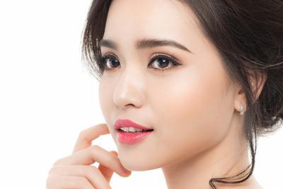 Bagus Banget, Lip Tint Ini Bikin Bibirmu Terlihat Merah Natural Layaknya Wanita Korea!