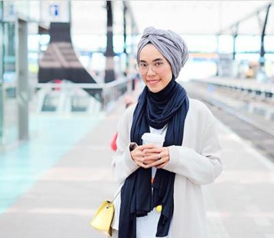 5 Tips Praktis Memakai Turban Ini yang Bikin Style Kamu Makin Edgy!