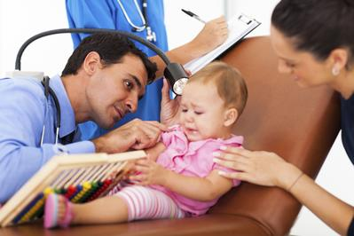 Inilah Cara Efektif Mencegah dan Mengatasi Infeksi Telinga Pada Bayi