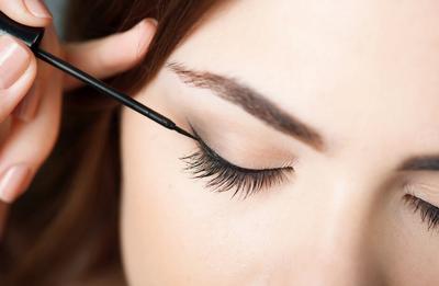 Eyeliner untuk Mata Sipit