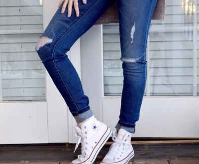 Hati-Hati, Pakai Skinny Jeans Ternyata Berbahaya Bagi Tubuh Lho