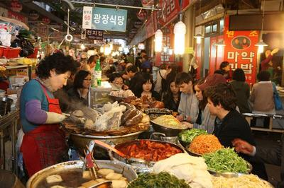 Sedang Berlibur ke Korea? Inilah Jajanan Pinggir Jalan Khas Korea yang Wajib Dicoba
