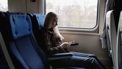 Traveling dengan Kereta Api? Cari Tahu Dulu Kelebihan dan Kekurangan Kereta Ekonomi dan Eksekutif