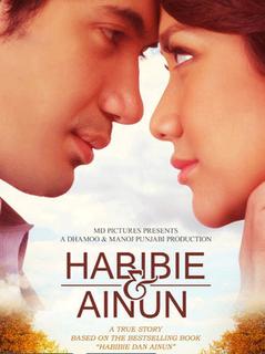5. Habibie & Ainun Diangkat dari Kisah BJ. Habibie & Ainun