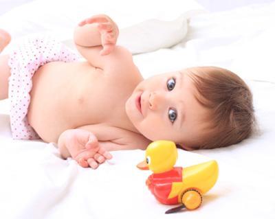 Mainan Dengan Ukuran Kecil dan Warna Mencolok