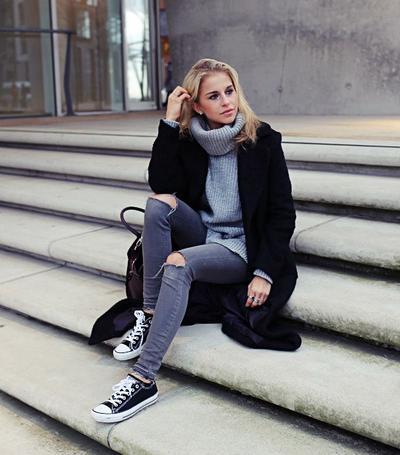 Ini Dia 4 Jenis Sepatu yang Pas Dipadukan dengan Skinny Jeans Agar Kamu Semakin Keren