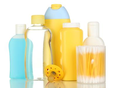 2. Campurkan dengan Shampoo Bayi Pada Saat Mencuci
