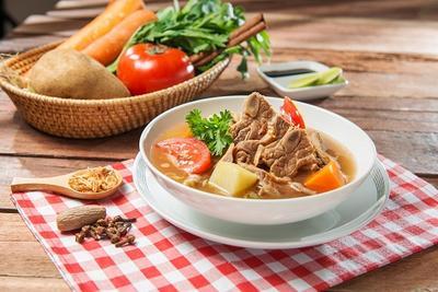 Soto Daging Kuah Bening Segar, Menu yang Cocok untuk Berbuka Puasa