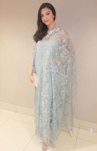 1. Kaftan Ala Raline Shah