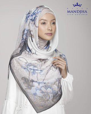 Hijab Motif Eksklusif