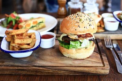 4) Corner House Burger