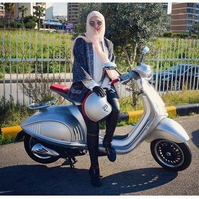 Tips Agar Tetap Rapi dan Cantik Naik Motor untuk Para Hijabers