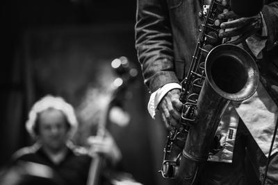 Mau Tahu Siapa Saja Penyanyi Jazz Wanita Hits Indonesia? Cek di Sini!