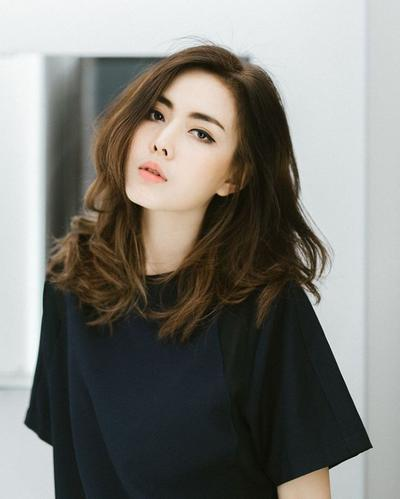 1. Brown hair