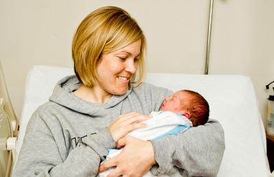 1) Gendong Bayimu Setelah Kamu Merasa Cukup Pulih