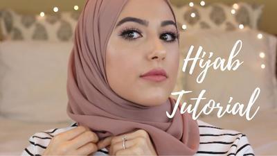 Coba 4 Langkah Mudah Memakai Hijab Simple Buat Lebaran Ini!