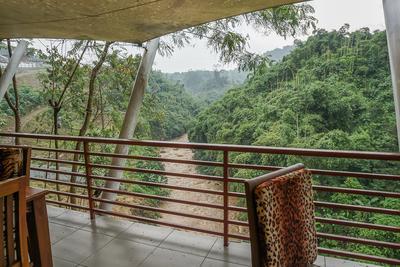 4. Woza Cafe Driam Riverside Resort
