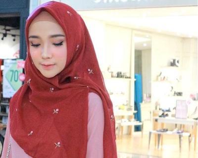 Hijabers, Intip 4 Model hijab Segi Empat Simple dan Cepat untuk Tampil Cantik di Hari Lebaran