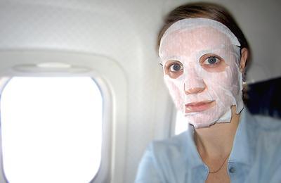 4 Tips untuk Tetap Tampil Cantik dan Keren Saat Traveling Naik Pesawat