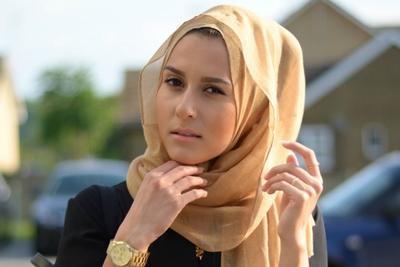 Simak 5 Inspirasi Hijab Modern ala Hijabers Luar Negeri yang Modis Ini Yuk!