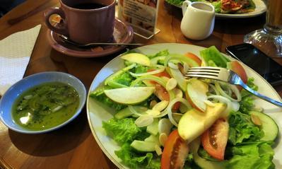 4 Tips Makan Malam Sehat dan Kenyang yang Perlu Kamu Terapkan