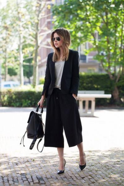 Tidak Hanya Kaos, Celana Kulot Juga Cocok Kamu Padukan dengan Berbagai Atasan Ini Lho!