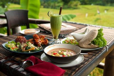 Coba Tempat Makan Vegetarian Terfavorit di Bali Yuk!