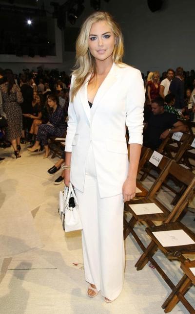 5 Tips Fashion Untuk Perempuan Berdada Besar yang Belum Kamu Tahu