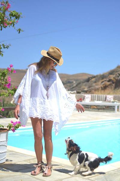Kalau Ingin Nyaman, Inilah 5 Tips Berpakaian Saat Cuaca Panas yang Perlu Kamu Tiru!