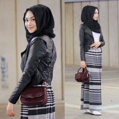 Style Hijab Monochrome ala Indah Nada Puspita