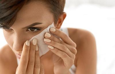Ternyata Begini Langkah Make Up yang Benar untuk Kulit Wajah Berminyak!