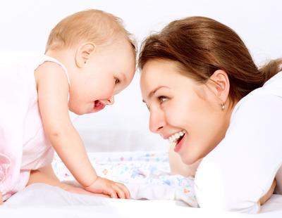 7 Tahapan Perkembangan Bayi Baru Lahir yang Wajib Diketahui Para Orang Tua