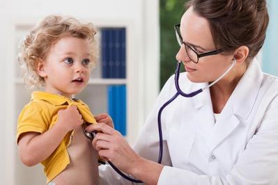 Anak Takut ke Dokter? Tenang, Cepat Lakukan Cara Jitu Ini Padanya