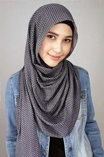 Tutorial Hijab dari Rani Hatta Ini Akan Bikin Gaya Keseharian Kamu Makin Stylish!