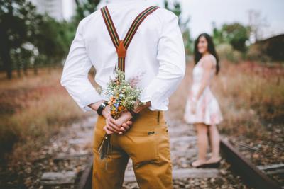 Kenakan Outfit Ini untuk Penampilan Maksimal di Hadapan Si Dia Saat Kencan Pertama!
