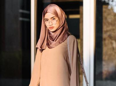 Inspirasi Style Hijab Casual Ala 5 Selebgram Ini Cocok Banget untuk Hangout!