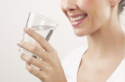 4. Minum Banyak Air Putih