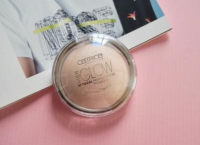 Catrice High Glow Mineral Highlighting Powder, Brand Luar yang Ramah di Kantong