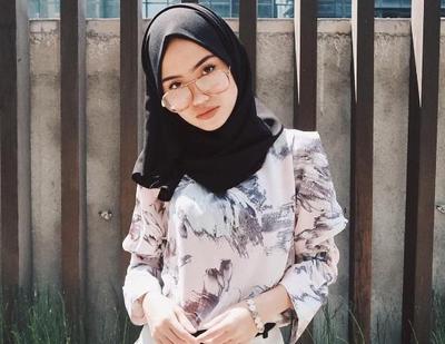 Ini Dia Rekomendasi Tutorial Hijab Simple yang Stylish Saat Ke Kampus!