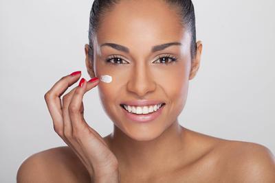 4 Trik Jitu yang Bisa Bikin Blush On Kamu Lebih Tahan Lama di Pipi dan Tak Mudah Luntur
