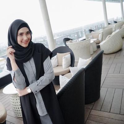 Ini Dia Tips Hijab Simple dan Cantik Ala Rani Hatta yang Cocok Untukmu!